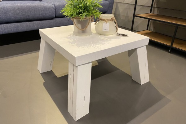 Robuuste salontafel wit